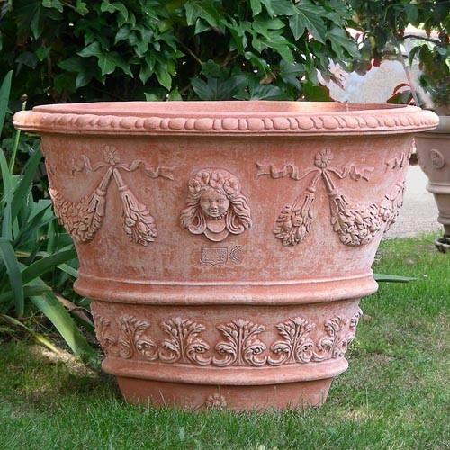 056-Vaso-decorato-con-bambina-e-nastri