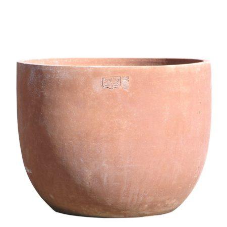 Bulbo. La forma e il design del vaso lo rendono particolarmente bello ed elegante, aiuta a impreziosire l'arredo e contemporaneamente è adatto per essere piantato. Realizzato a mano da maestri artigiani con argilla di Impruneta, resistente al gelo.