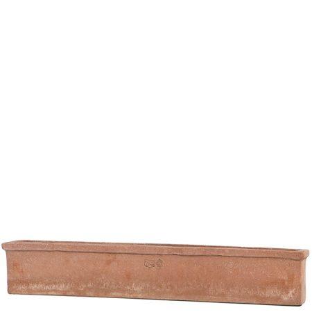 Cassetta da davanzale. Cassetta da fiori. Forma a sezione rettangolare realizzata in varie misure. Cassetta da davanzale, balconetta, fioriera, balconiera. Minimo ingombro in profondità moderato. Ottima stabilità al vento e adatta per piante. Realizzato a mano da maestri artigiani con argilla di Impruneta, resistente al gelo.