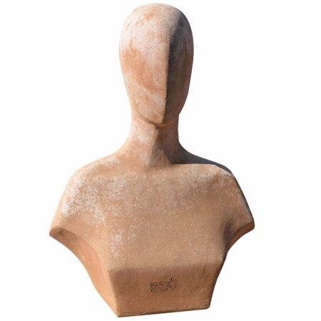 Busto di Top model, decorazione. Con il trascorrere delle stagioni acquista un bell'aspetto superficiale. Realizzato a mano da maestri artigiani con argilla di Impruneta, resistente al gelo.