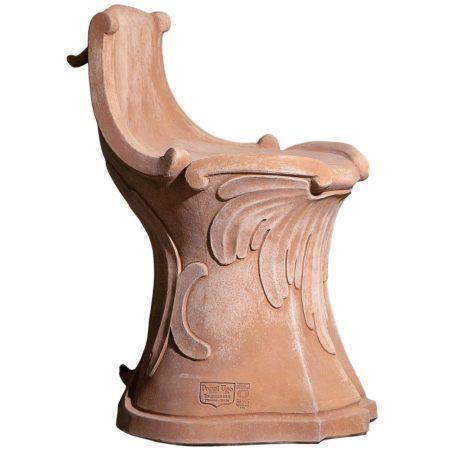 Sedile del '700. Seduta dalla superficie liscia. Adatto per ambienti interni ed esterni in stile contemporaneo. Realizzato a mano da maestri artigiani con argilla di Impruneta, resistente al gelo.